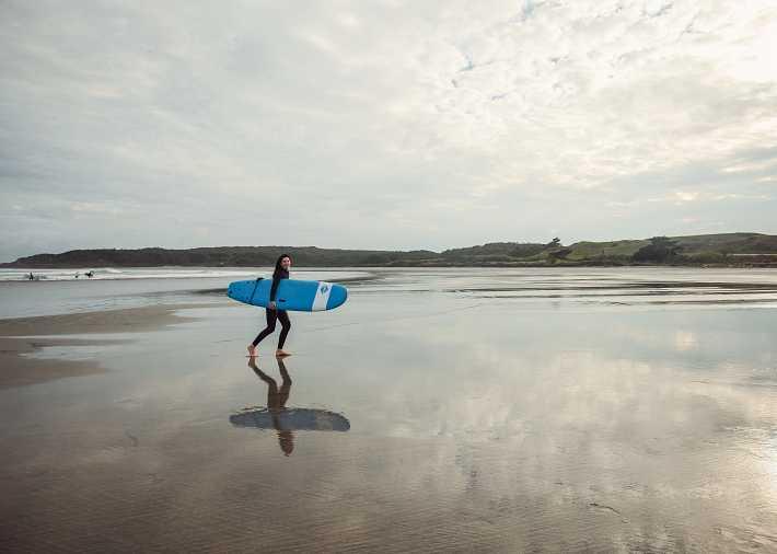 /nz/en/get-inspired/articles-tips/best-surf-beaches Card Image