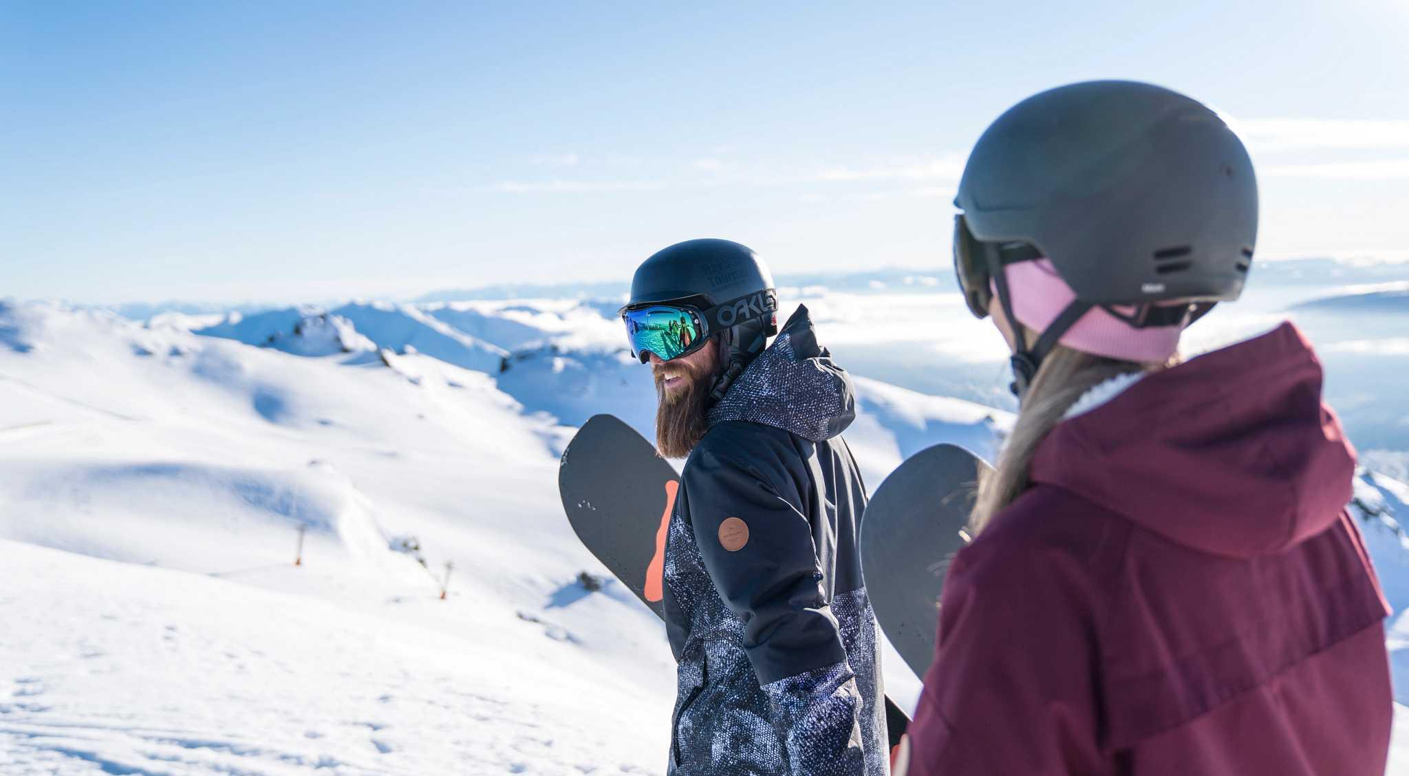 Cardrona Alpine Resort - Couple looking at view  - highres.jpg