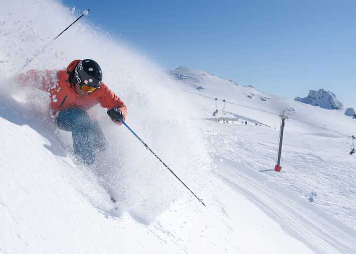 /nz/en/get-inspired/articles-tips/coronet-peak-and-cardrona-skiing Card Image