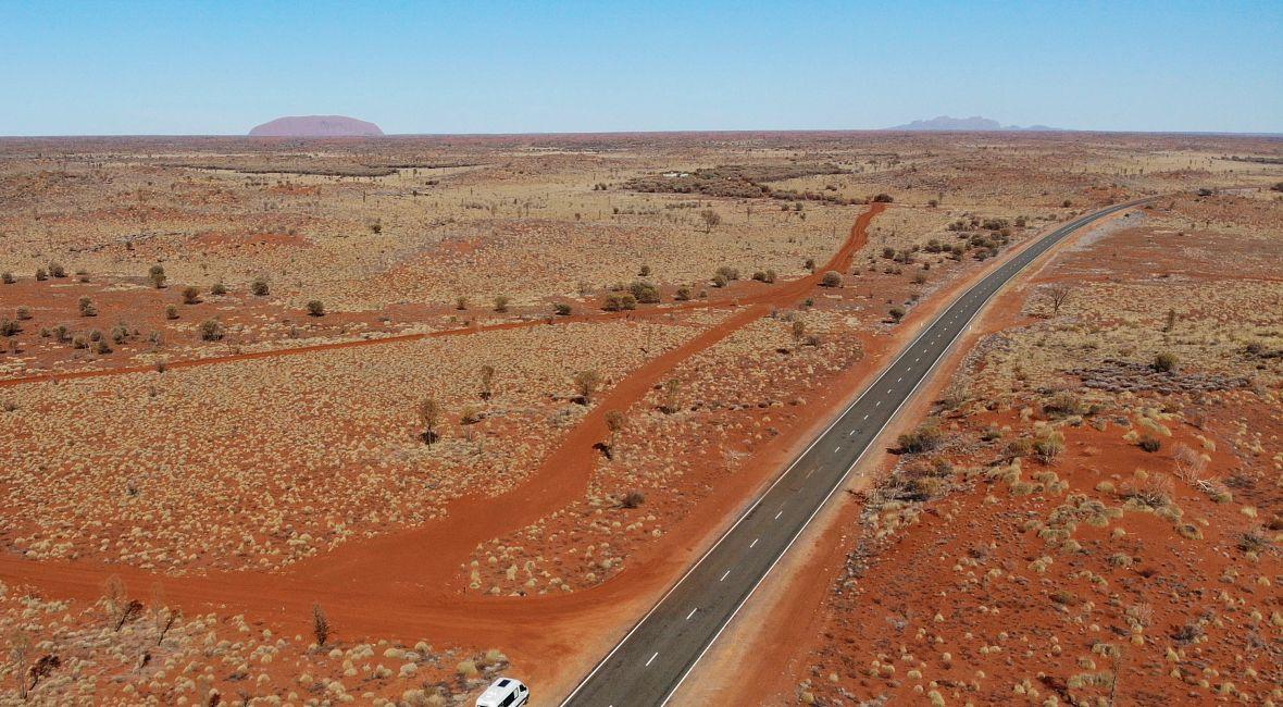 Uluru3.jpg
