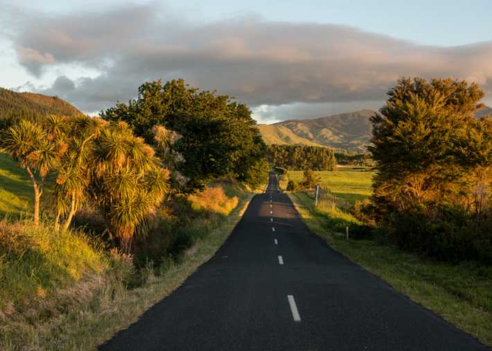/nz/en/get-inspired/articles-tips/stunning-images-of-new-zealand Card Image