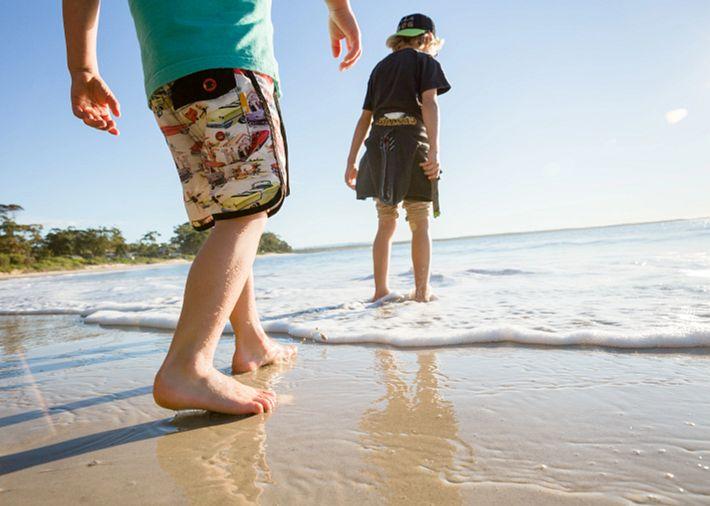 /au/en/get-inspired/articles-tips/top-10-australian-beaches Card Image