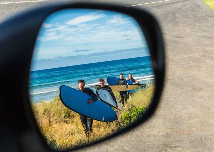 /au/en/get-inspired/articles-tips/best-surf-spots Card Image