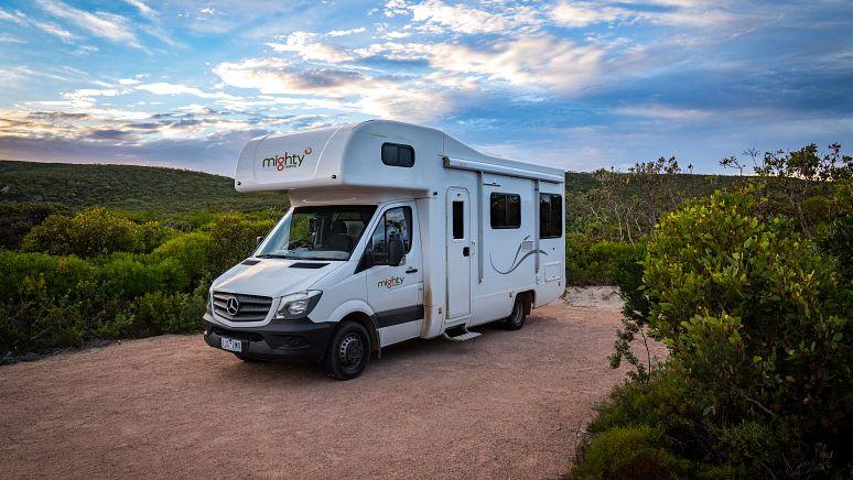 /au/en/campervan-hire/4-berth-double-up