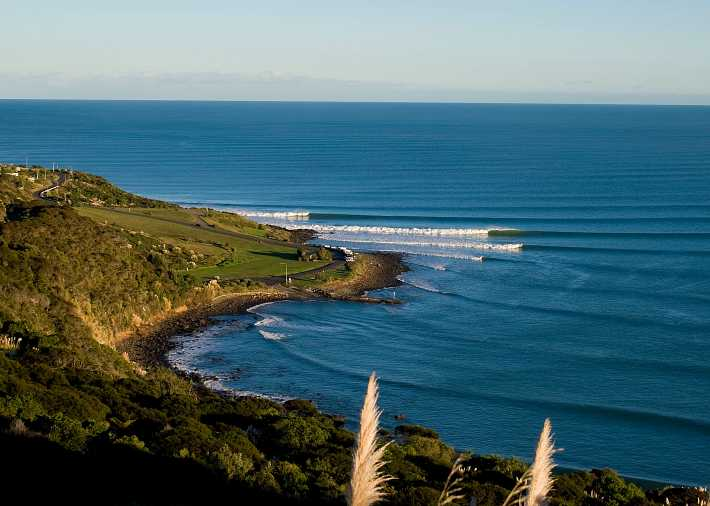 /nz/en/get-inspired/articles-tips/west-coast-surf-beaches Card Image